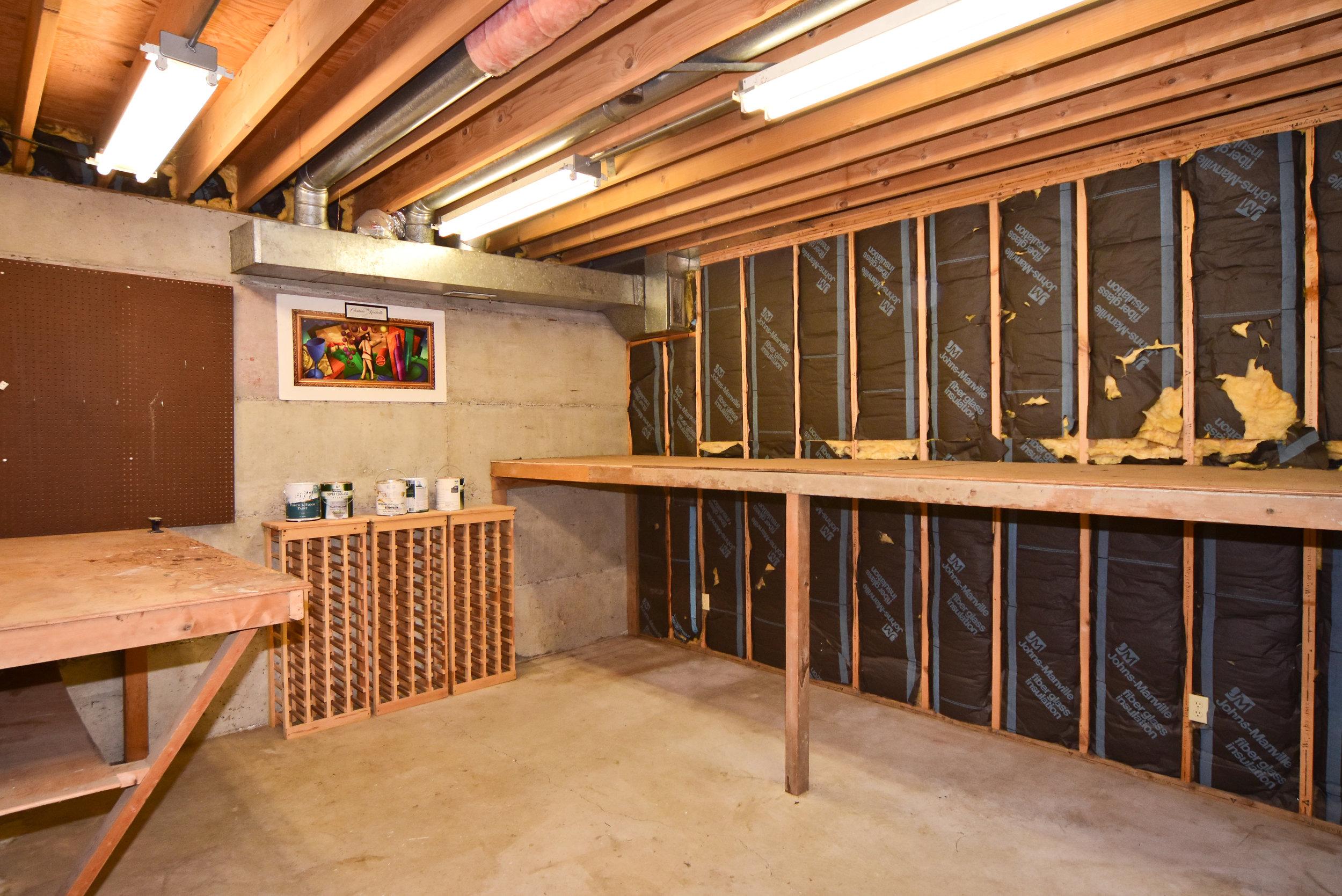workshop or storage area.jpg