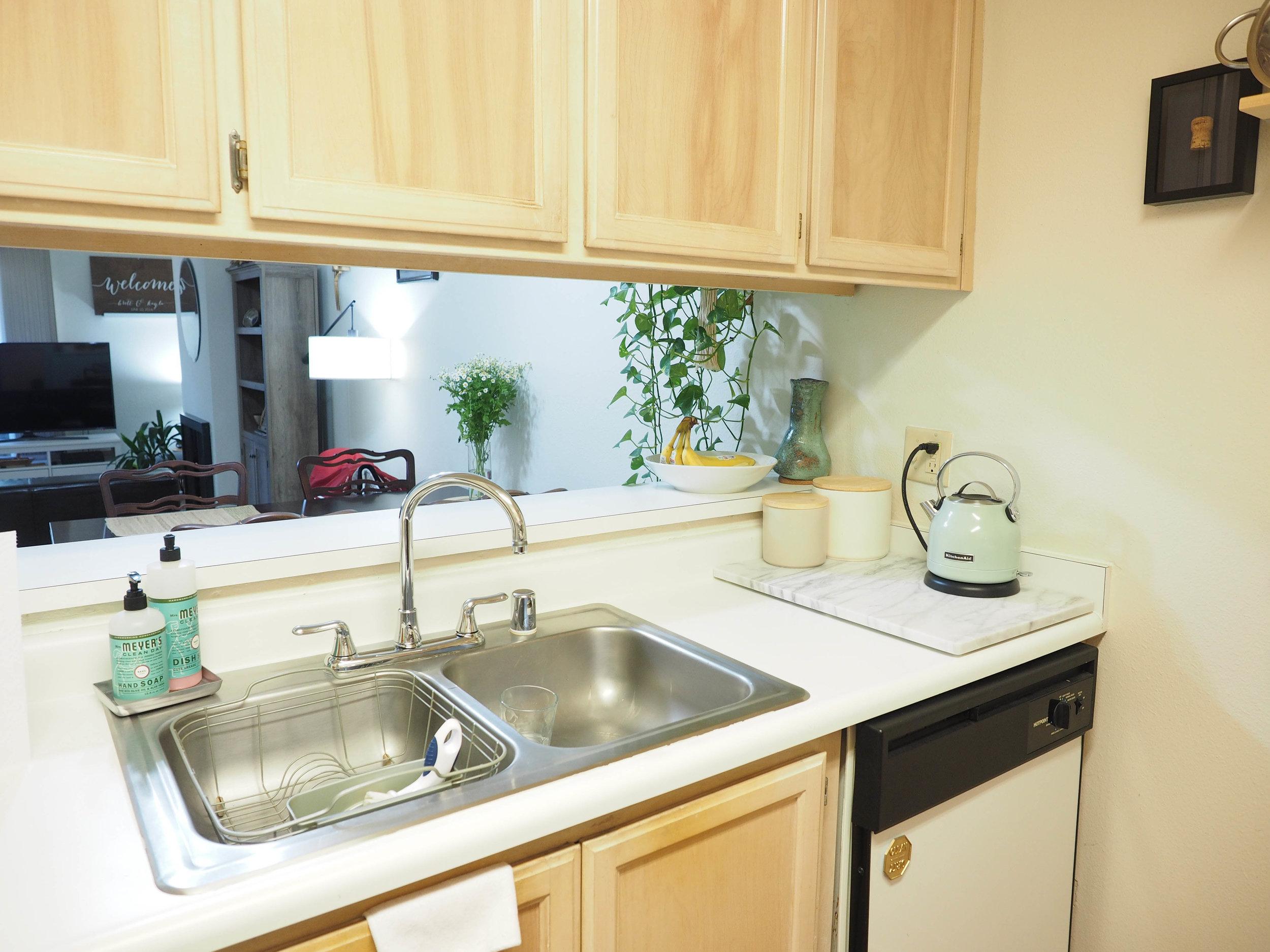 apartment-tour-twoh-18.jpg