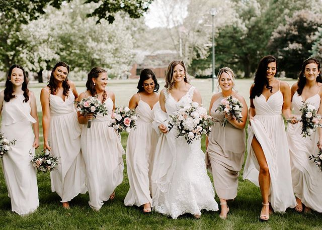 Leah had the fiercest girl squad by her side as she married her best friend yesterday! Seriously, how beautiful are these ladies?!