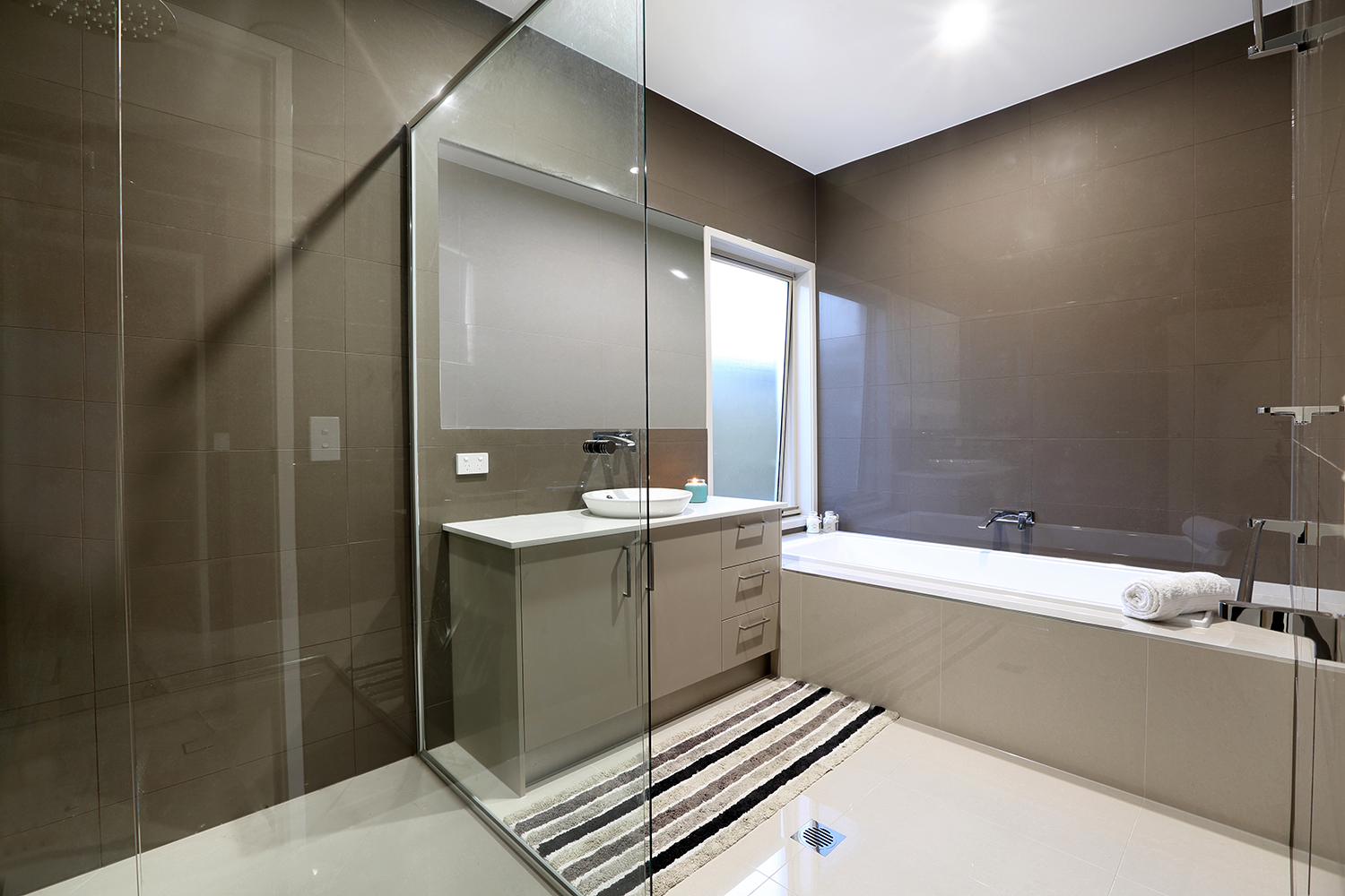 udconstruction-bathroom2.jpg