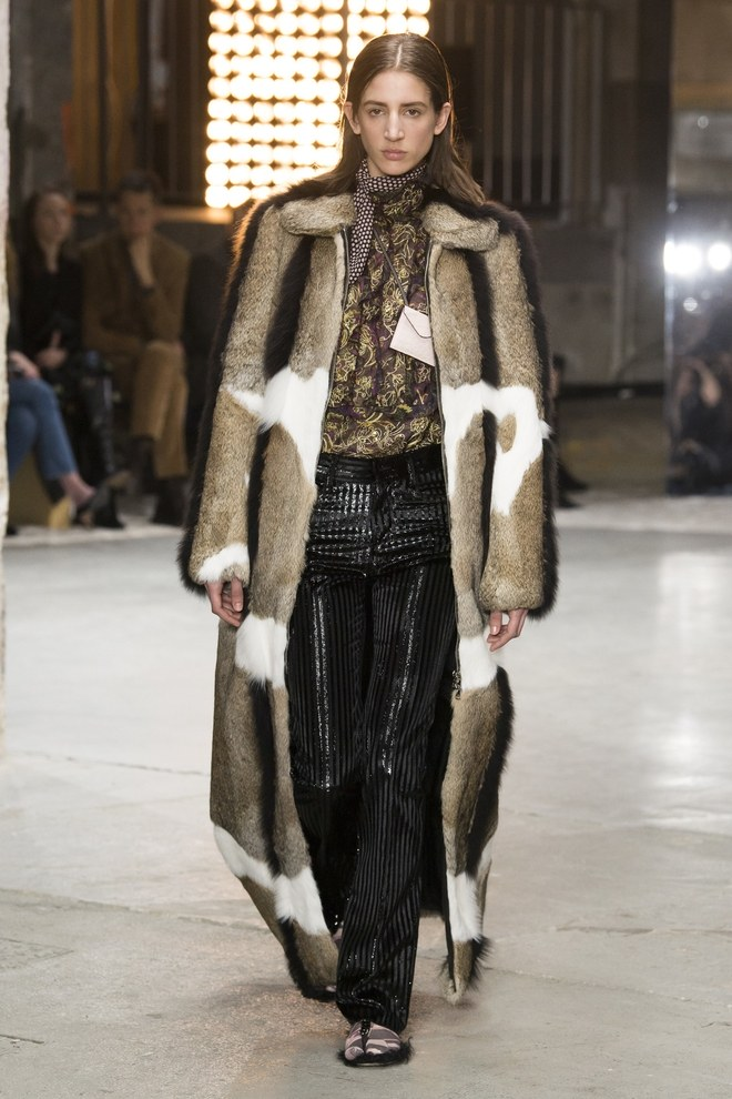 Giambattista Valli Fall 2018 (Fur).jpg
