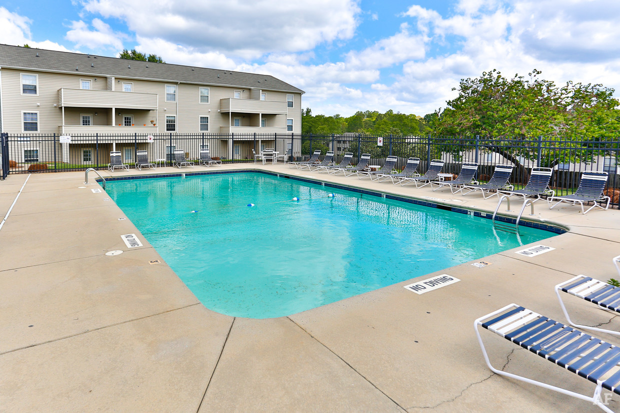 destination-at-union-apartments-gastonia-nc-pool.jpg