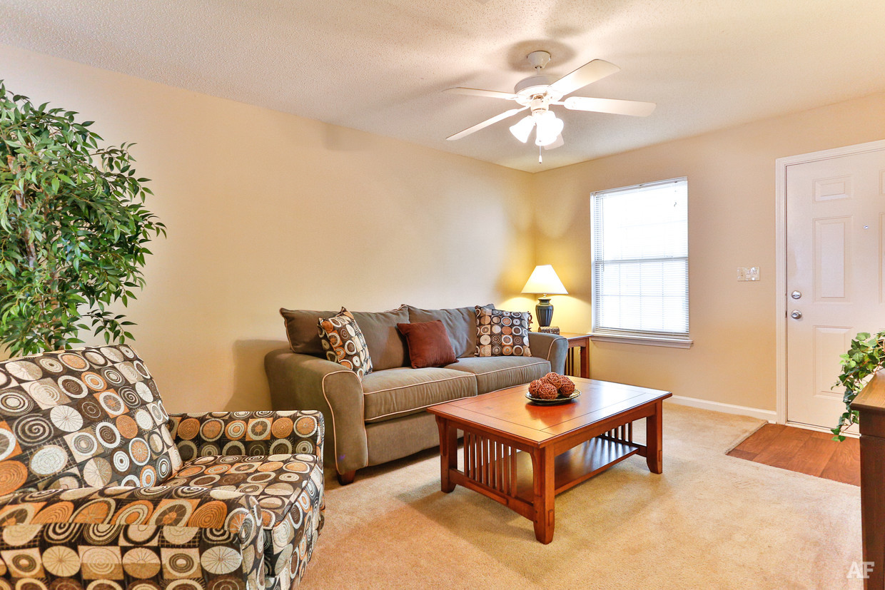 destination-at-union-apartments-gastonia-nc-interior-photo (4).jpg