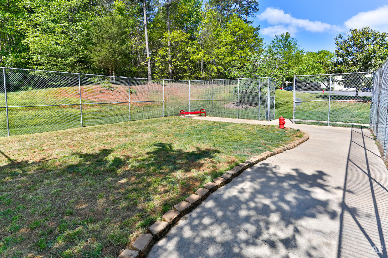 destination-at-union-apartments-gastonia-nc-dog-park.jpg