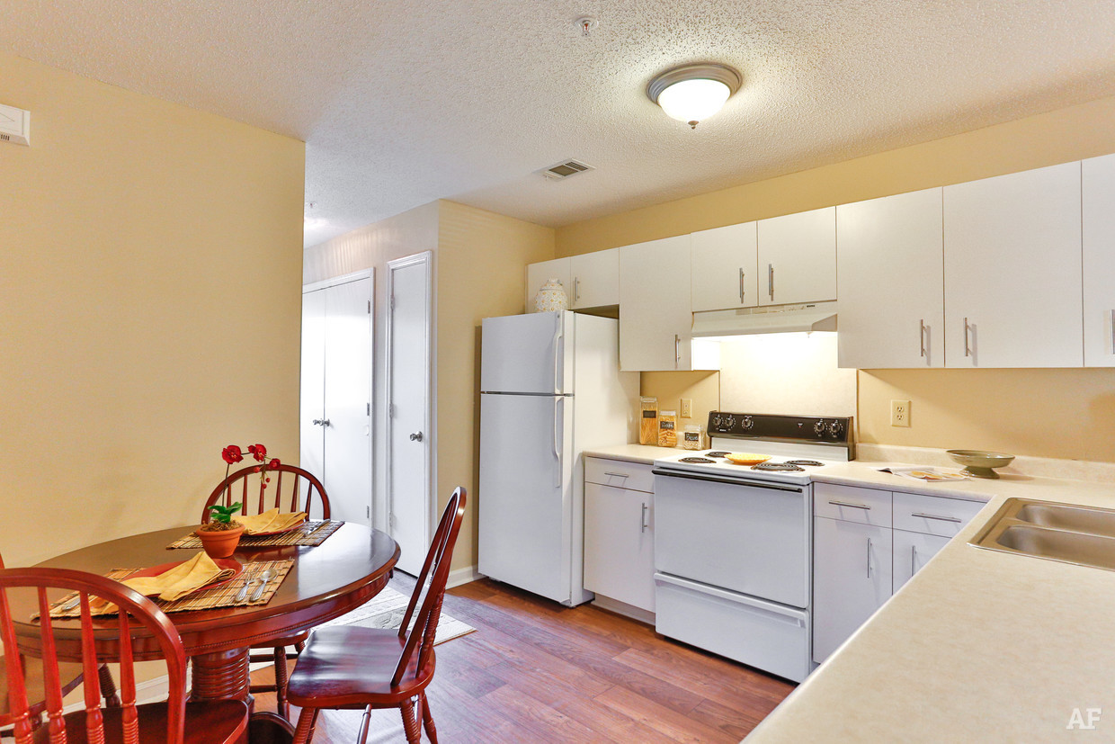 destination-at-union-apartments-gastonia-nc-interior-photo (1).jpg