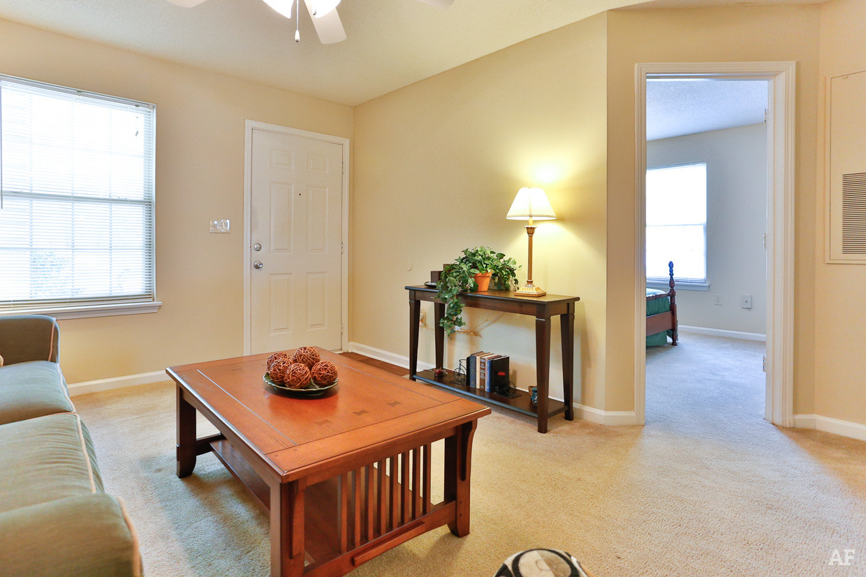 destination-at-union-apartments-gastonia-nc-interior-photo (3).jpg