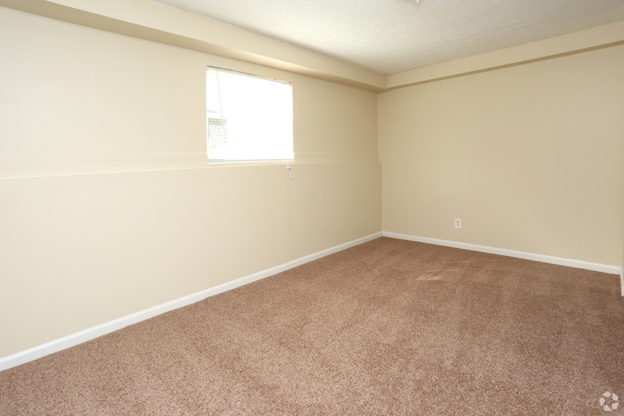 king-solomon-jeffersonville-in-1br-1ba---680-sf---bedroom.jpg