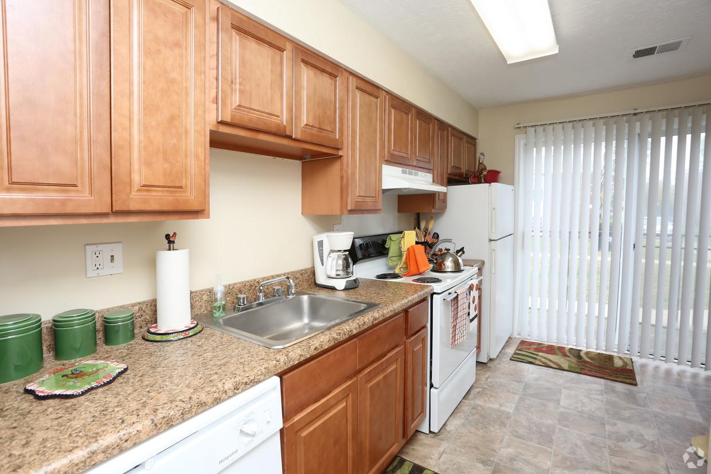 king-george-louisville-ky-2br-2ba---1150-sf---kitchen.jpg