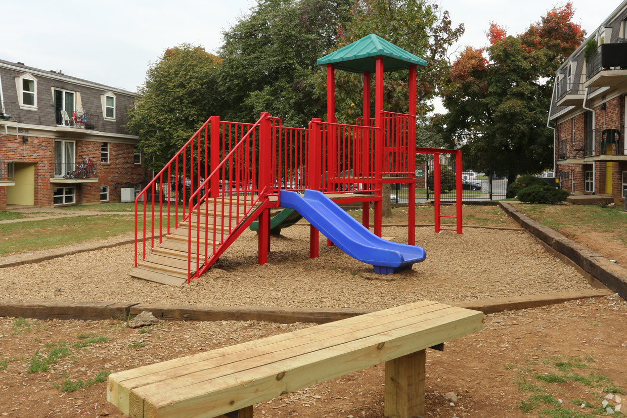 king-henry-lexington-ky-playground.jpg