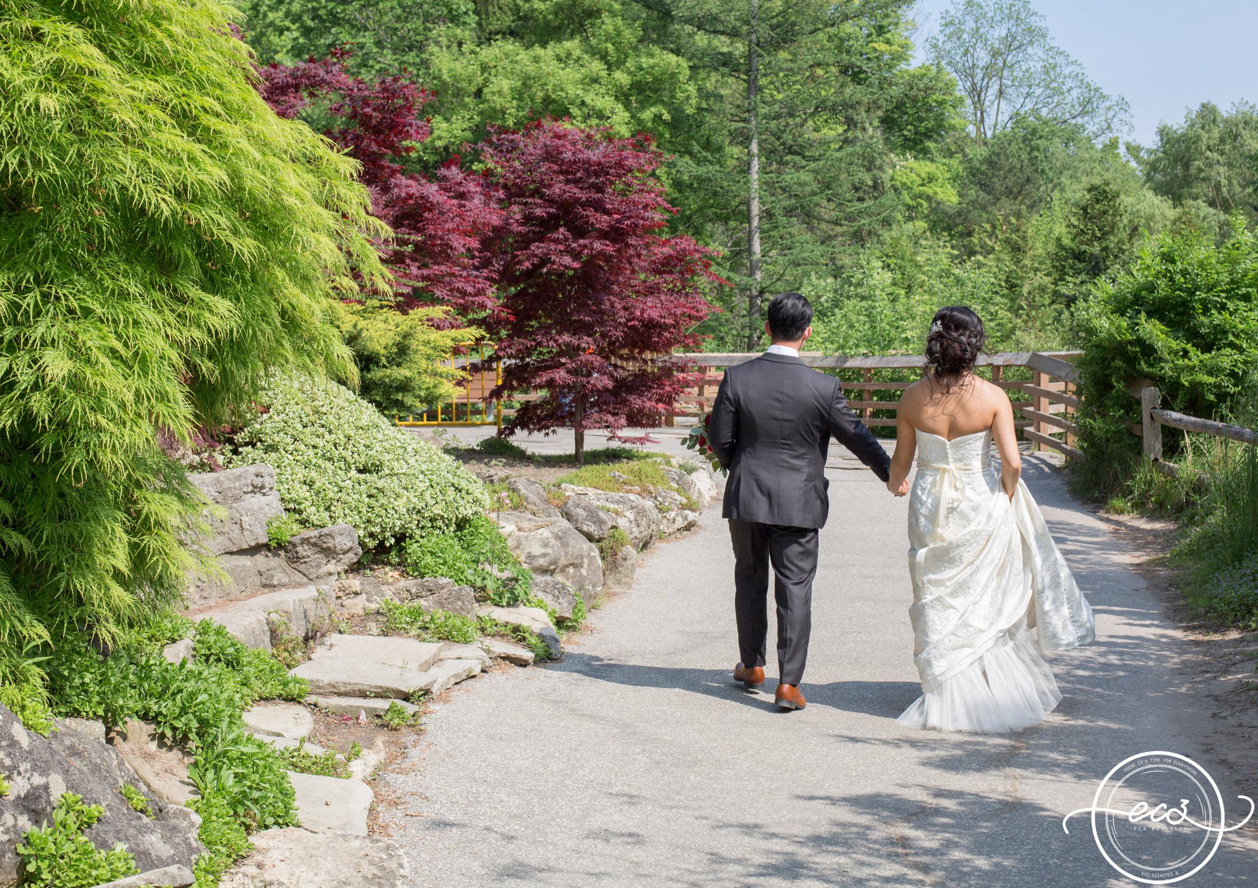 Toronto Edwards Garden and Intimate Vietnamese Wedding19.jpg