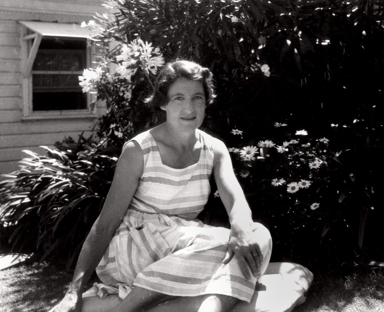 Olive-at-her-father's-house,-Newport,-c-1961.jpg