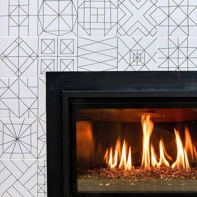 More fireplace glory from our Berkeley Hills project. Do you love this tile as much as we do? 😍  Because we. absolutely. adore. . . #fireplace #fireplacemakeover #fireplacerenovation #modernfireplace #berkeleyrealestate #berkeleyhomes #moderninteriors #interiordesigns #bayarearealestate #renovationproject #designbuild #designandbuild #valorfireplace #fireplacetile #modernrenovation #modernhome #designerlife #propertydeveloper #realestateinvesting #artemisinvestments