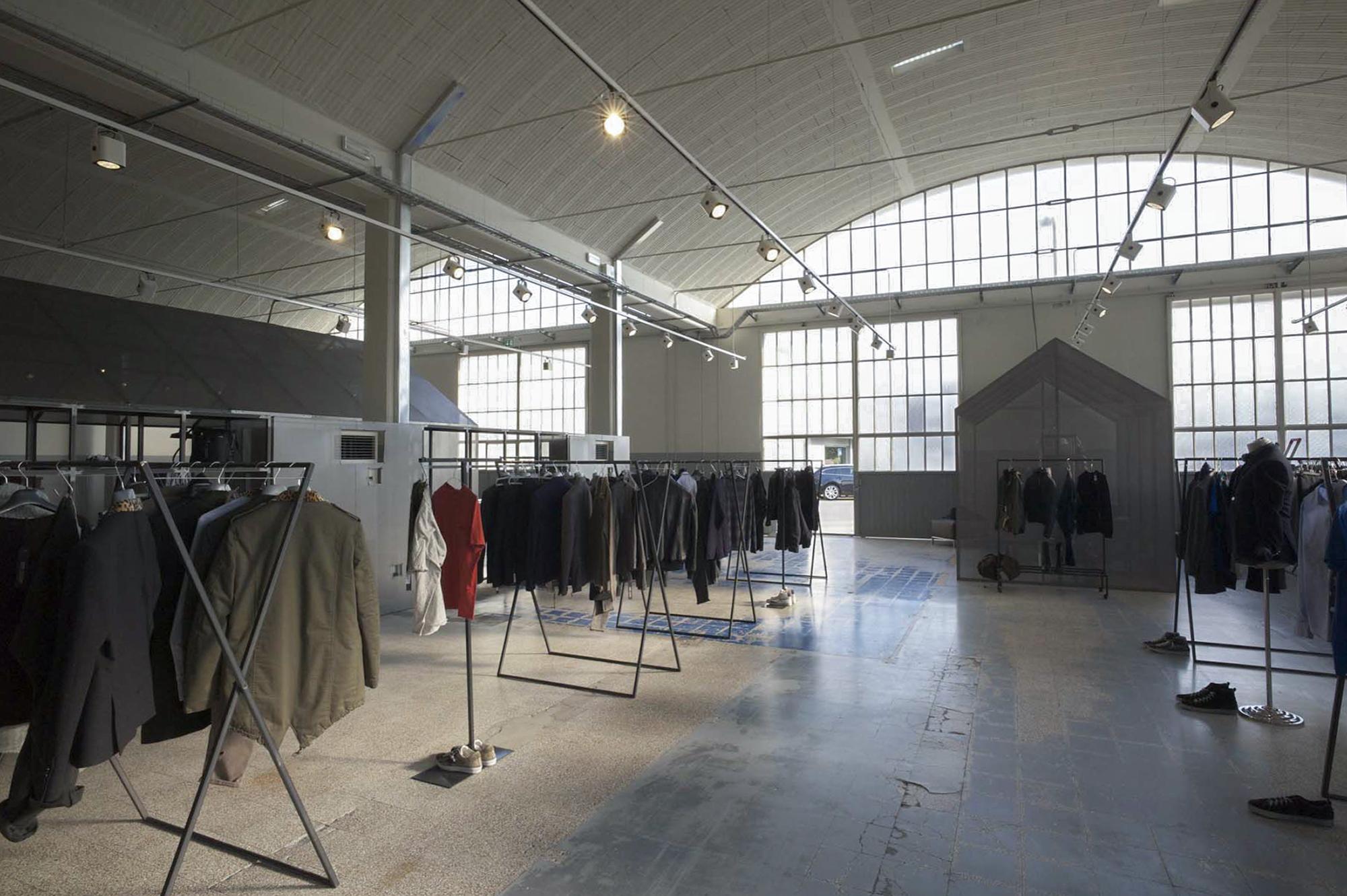 clothing-showroom-07.jpg