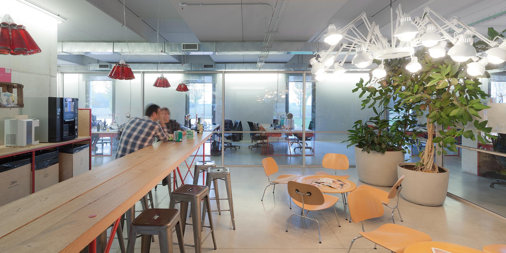 akqa-venice-office-11.jpg