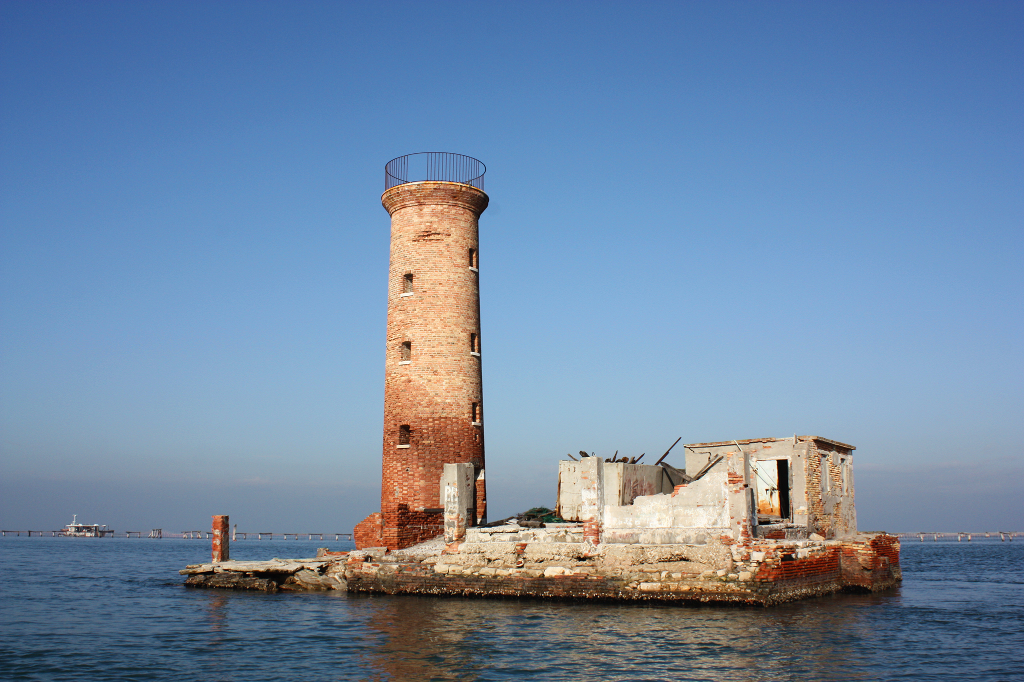 Venezia - We are getting started with a new renovation, bringing back to life a small lighthouse in the middle of the Venetian lagoon.Read More →