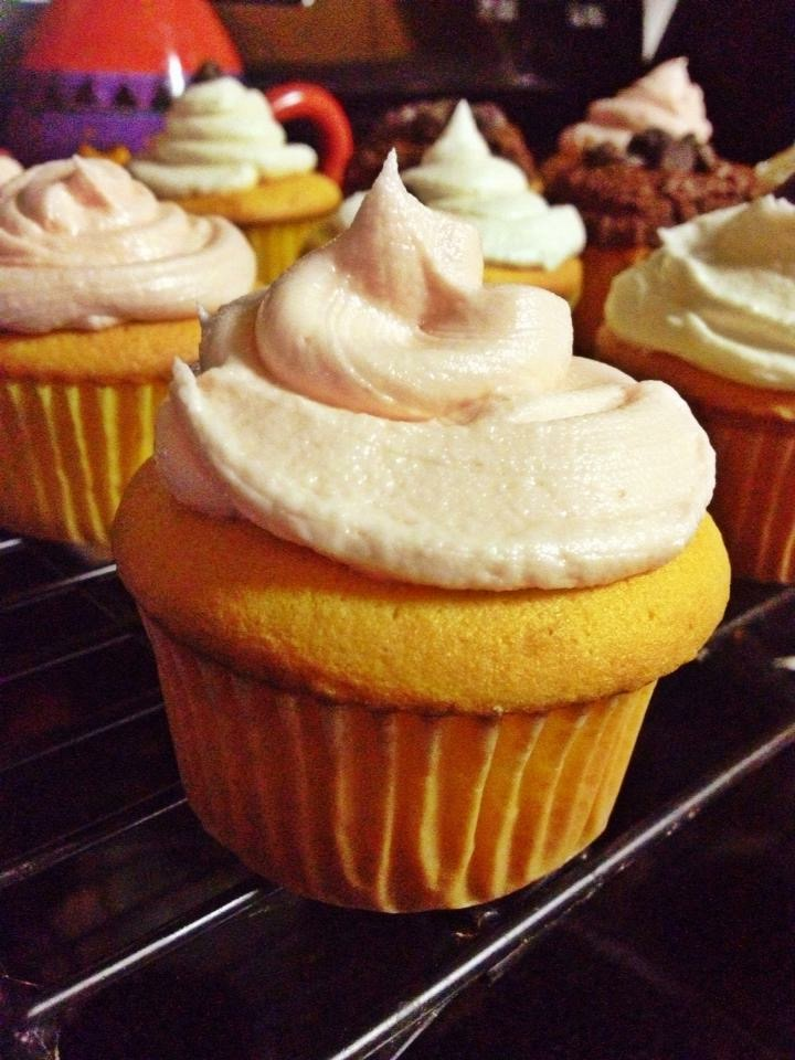 Cupcakes I topped with the strawberry extract frosting