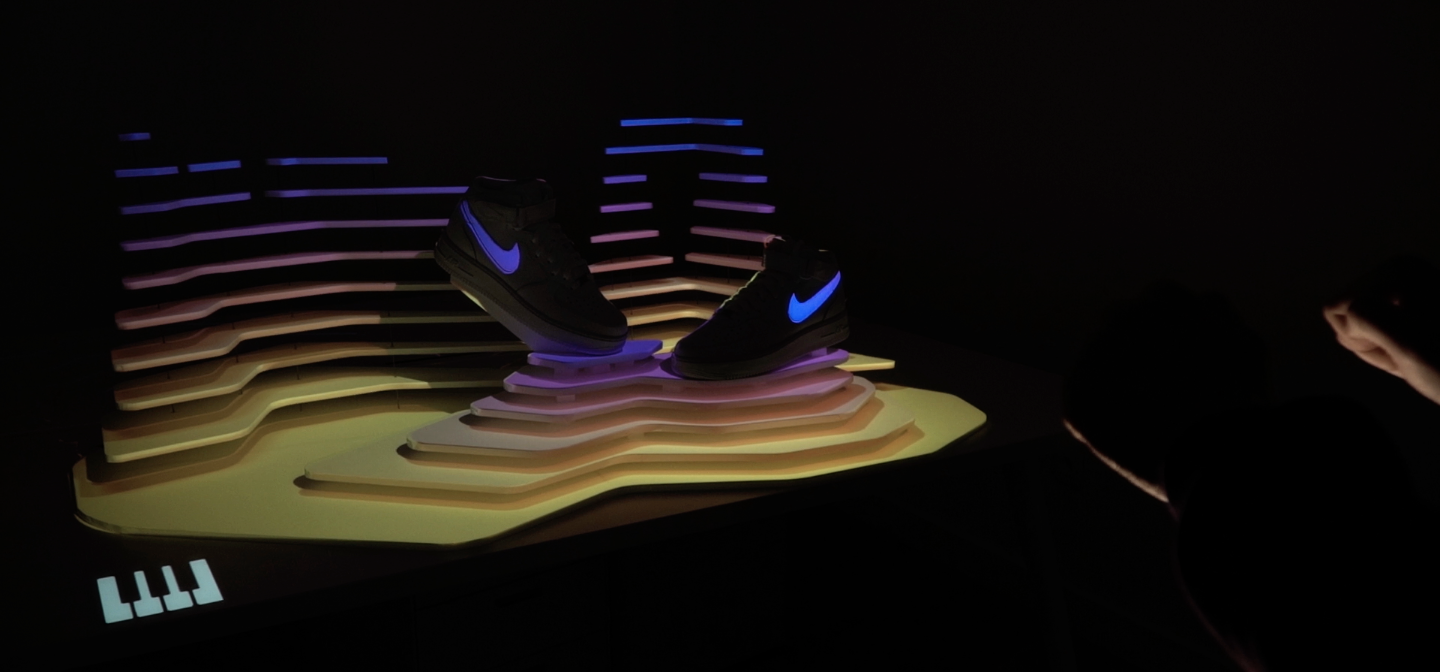 NIKE_ETRE_ET_VU_INTERACTIVE_INSTALLATION_VIDEOMAPPING_CONTENTS_VIDEO_CLEMENT_BOGHOSSIAN_CODE_CREATIVE_SET_UP4.png