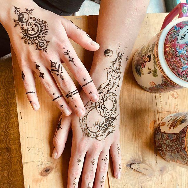 Dragon 🐉 & henna.