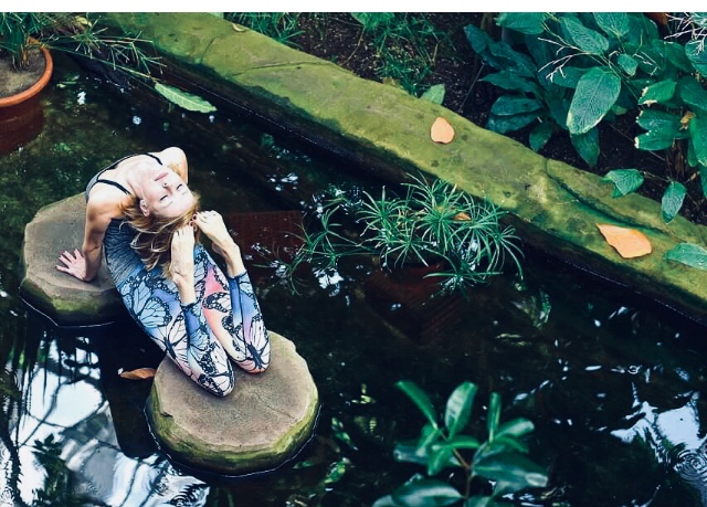 Dorothee TRIEBEl - Rückenwohl-YogaVinyasa-/Hatha-MixThai-Massage