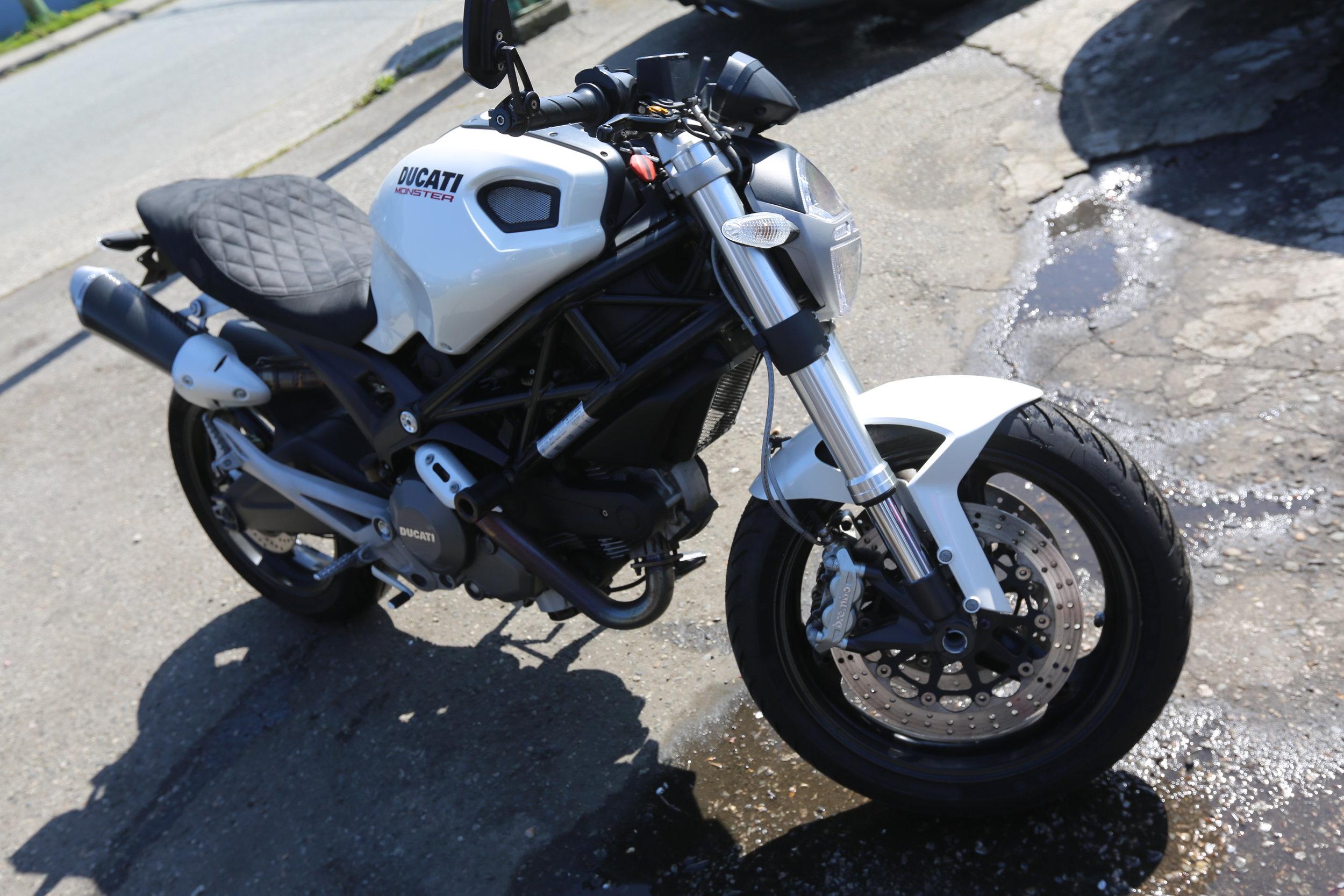 2009 Ducati monster 696, extras -