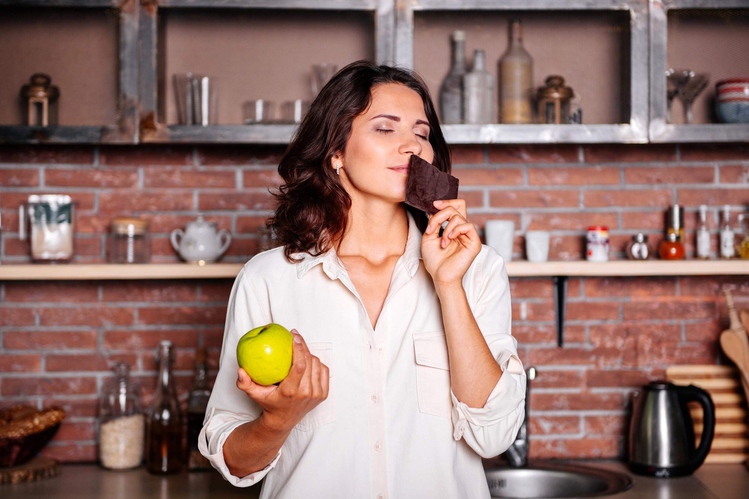 Healthy Ways to Satisfy Your Sugar_Cravings_and_Silence_Your_Sweet_Tooth_Fitwell_1.jpg