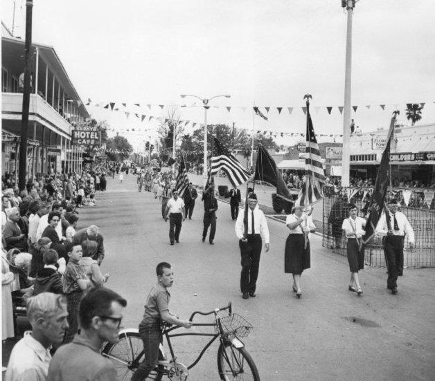 1964 Founders Day Parade.jpg
