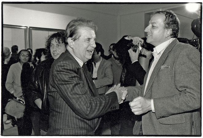 Gérard Thalmann avec Francis Bacon, au vernissage de l'exposition de ce dernier en 1984.  Photo Raphaël Gaillarde / Gamma