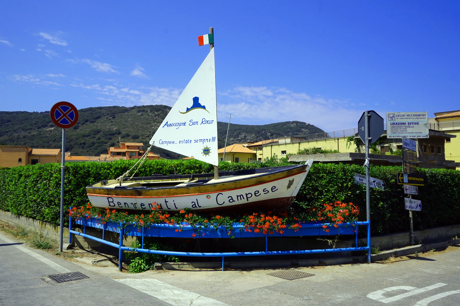small campese boat.jpg