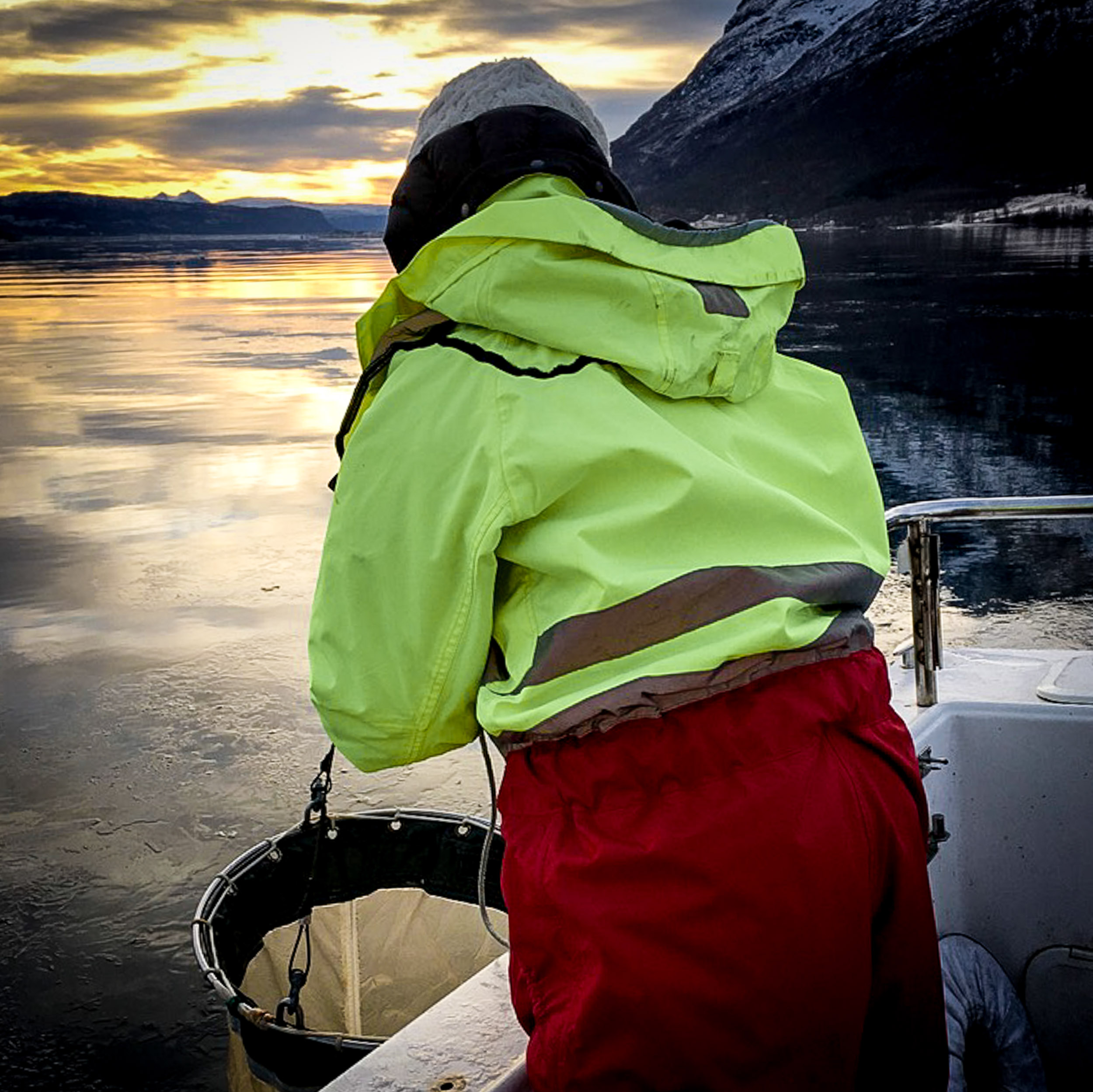 Collecting a zooplankton sample in Målselvfjord. JONAA©Guttorm Christensen