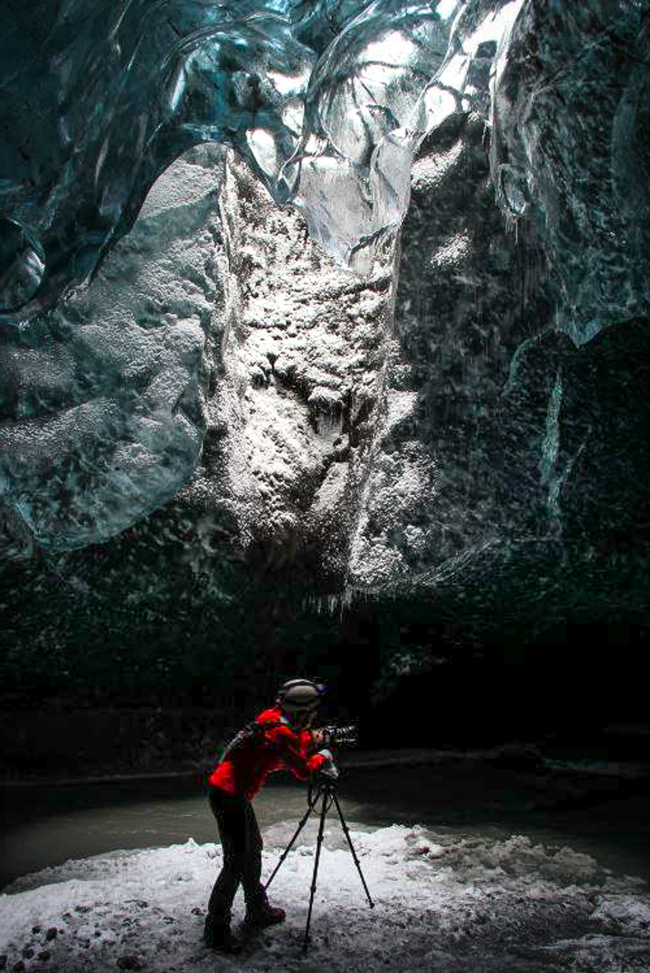 IceCavesJONAA©Agust Runarsson-13.jpg