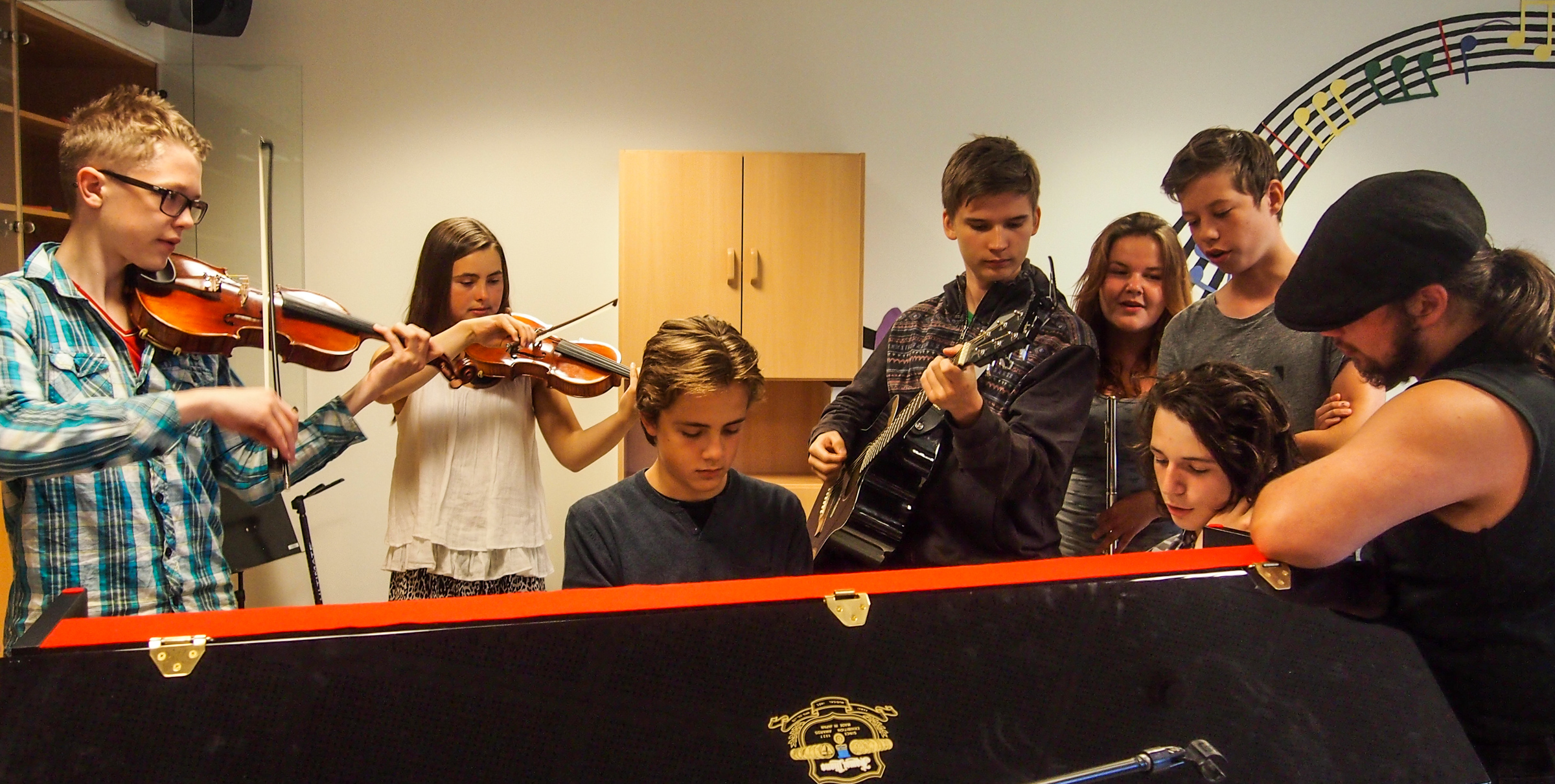 Music students from Norway, Sweden, Greenland, Iceland, Svalbard, Finland and Denmark rehearsing together. JONAA@Mats Moldskred
