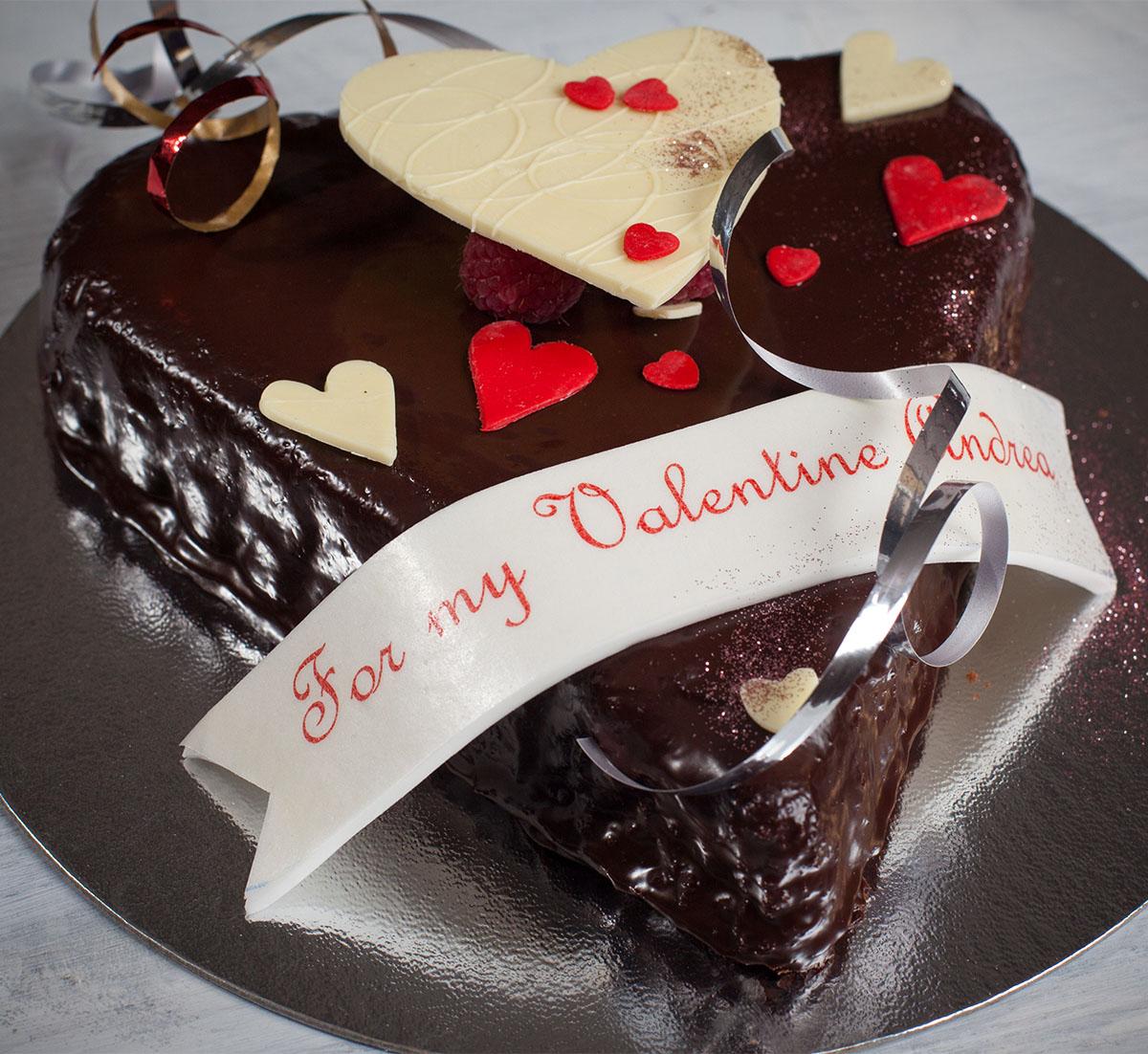 ValentinesDayCake.jpg