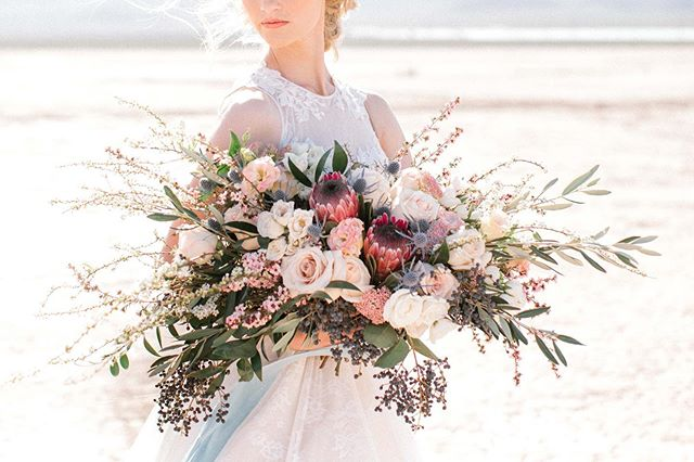 I was sitting here scrolling through my feed and thinking, I want a little pink and I remembered this stunner of a bouquet by @girlluvsflowers.  Planning: @storybookeventslv  Photographer: @madeleinecollinsphoto  Floral: @girlluvsflowers  Ribbon: @heyitsohsopretty  Bride: @jeanettereneeblog  H&MU: @paperbagbeauty