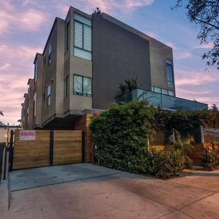 1130 N Ogden  West Hollywood, CA  Represented Buyer    insight realty  dre| 01994619