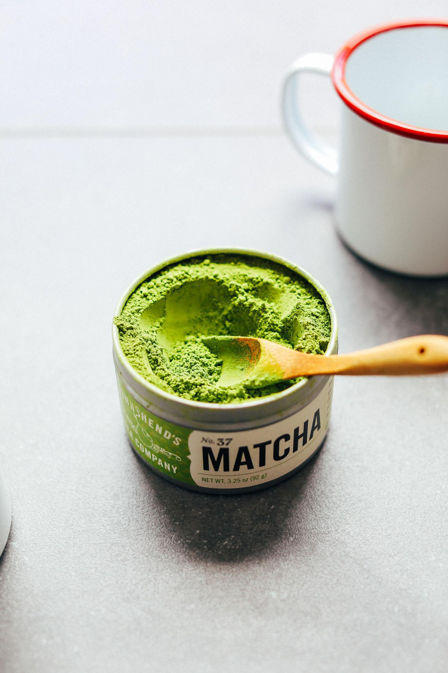 THE-BEST-Matcha-Latte-Creamy-Coconut-and-Macadamia-milk-make-the-perfect-combo-vegan-glutenfree-matcha-latte-recipe-5.jpg