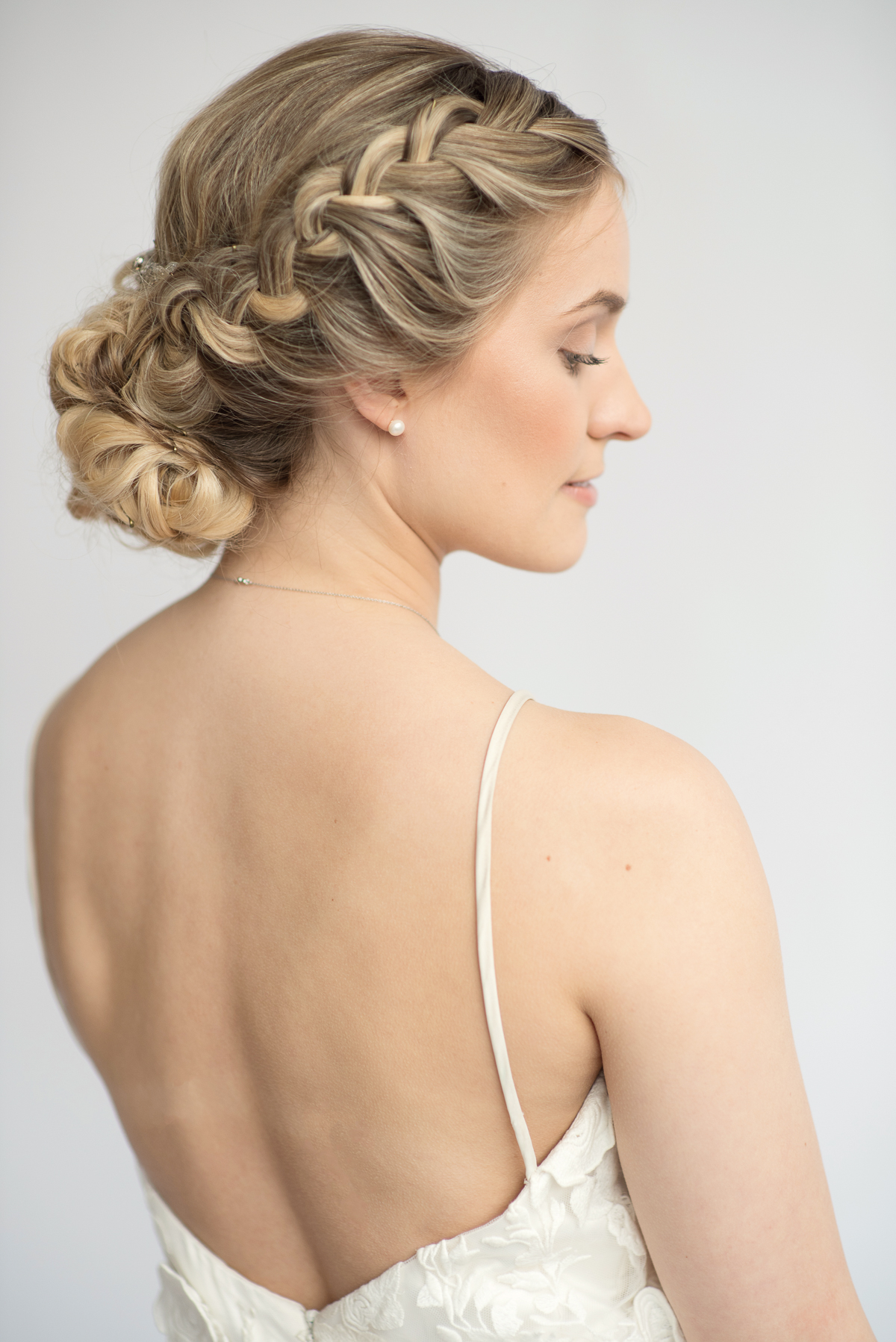 Elegant-wedding-side-braid-hairstyle