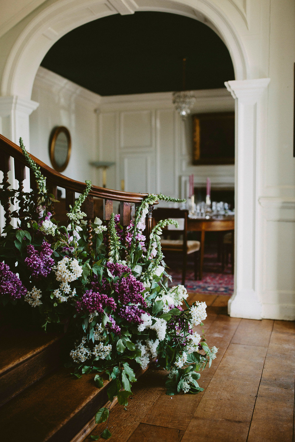 Wedding-staircase-flowers