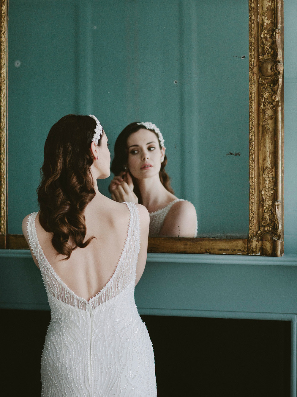 Eliza-Jane-Howell-bride-gets-ready