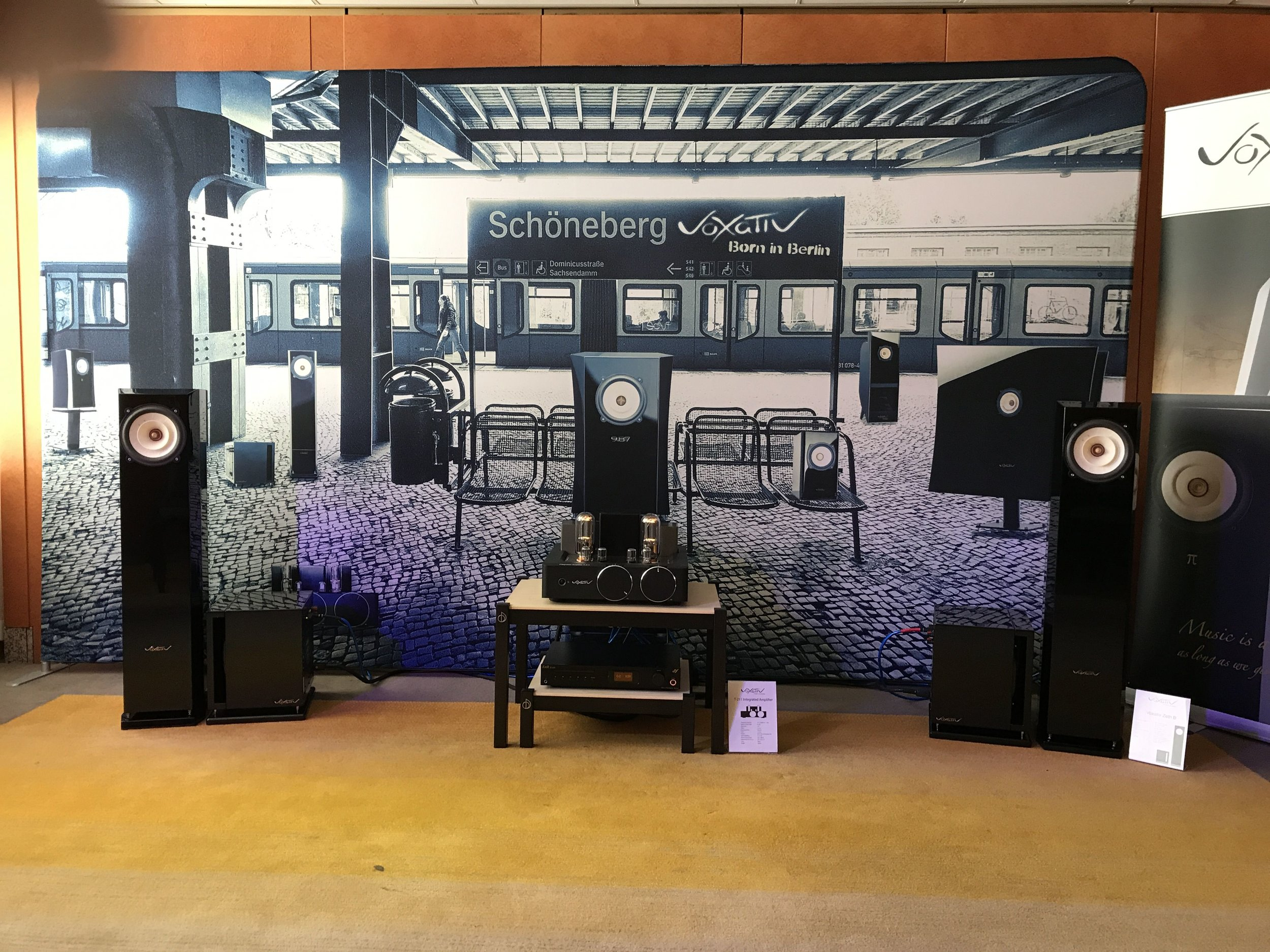 T805 Setup - Depending on your room, equipment and listening habits – there are a number of ways to configure The T805 with special tubes and Voxativ cabling to meet the needs of your speakers.Of course the unit works well with all Voxativ products.