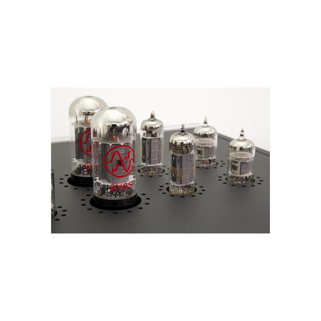 The tube rectifiers and voltage regulators -