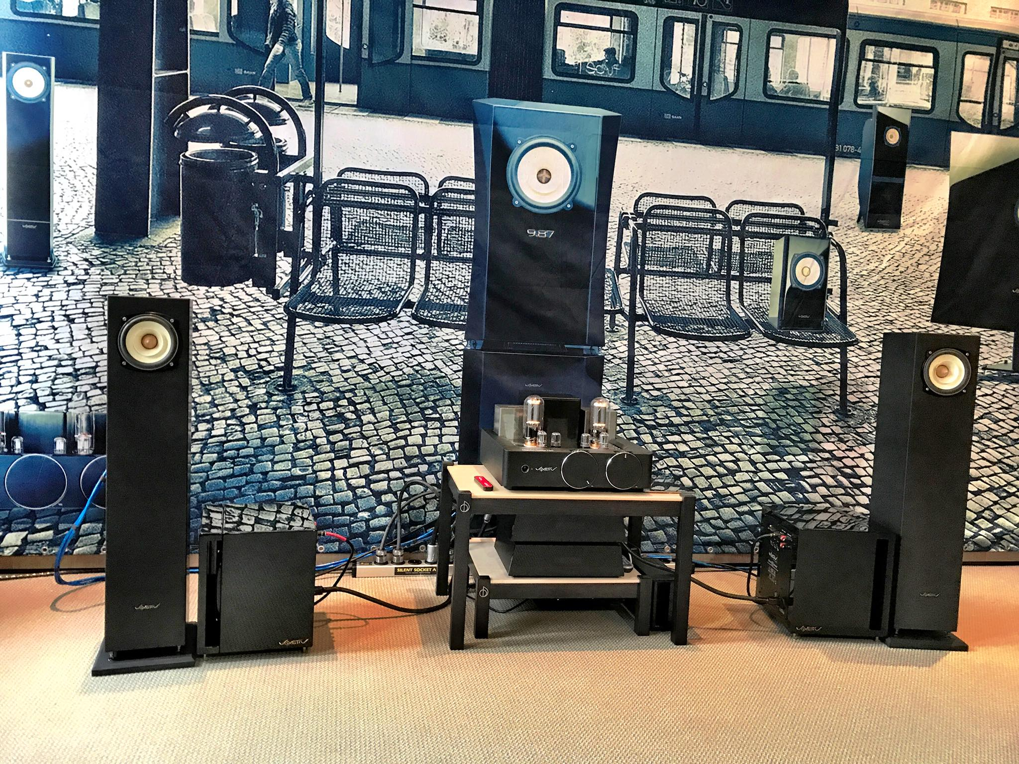 Pure listening for all - A five-inch tower with a big voice and small footprint. The FIT fits easily in smaller rooms and can fit modest budgets.