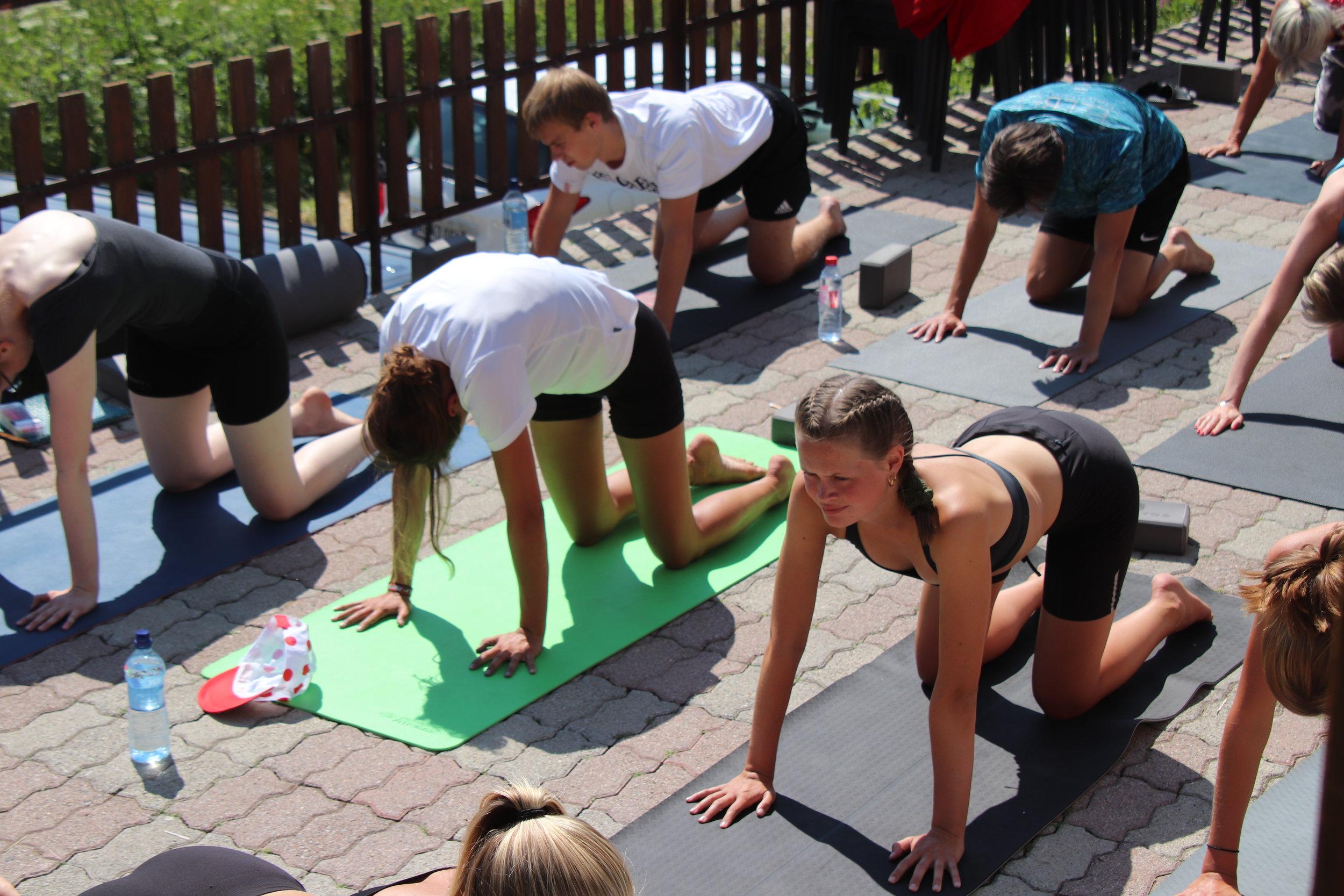 Yoga & meditation i sommerferien |  Sommerhøjskole med Alpehøjskolen - en højskole i udlandet |  Tour De France