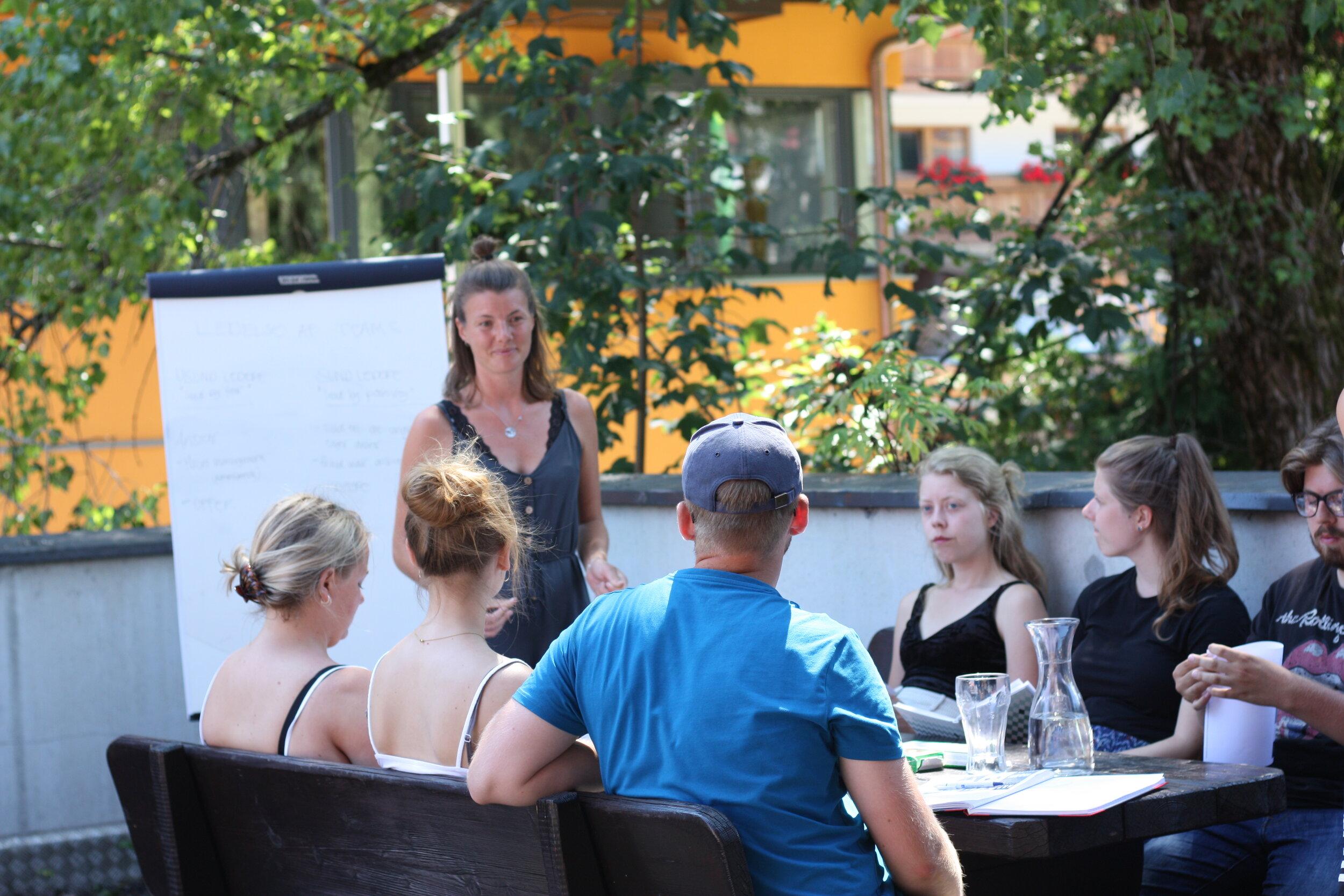 Projektledelse og teams på Alpehøjskolen |  Bliv klogere på Service Management faget