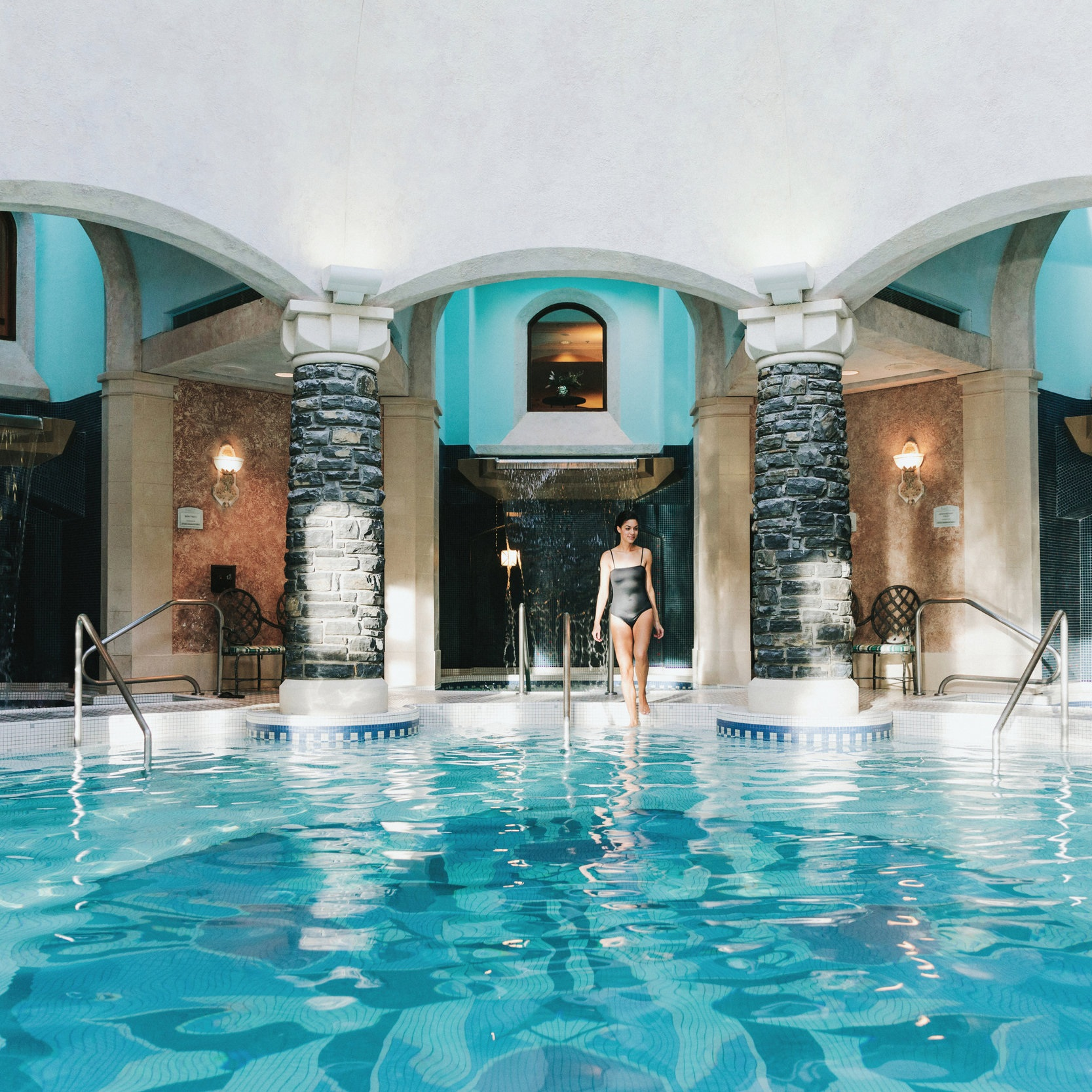 Fairmont+Banff+Springs+-+Willow+Stream+Spa+-+Mineral+Pool.jpg