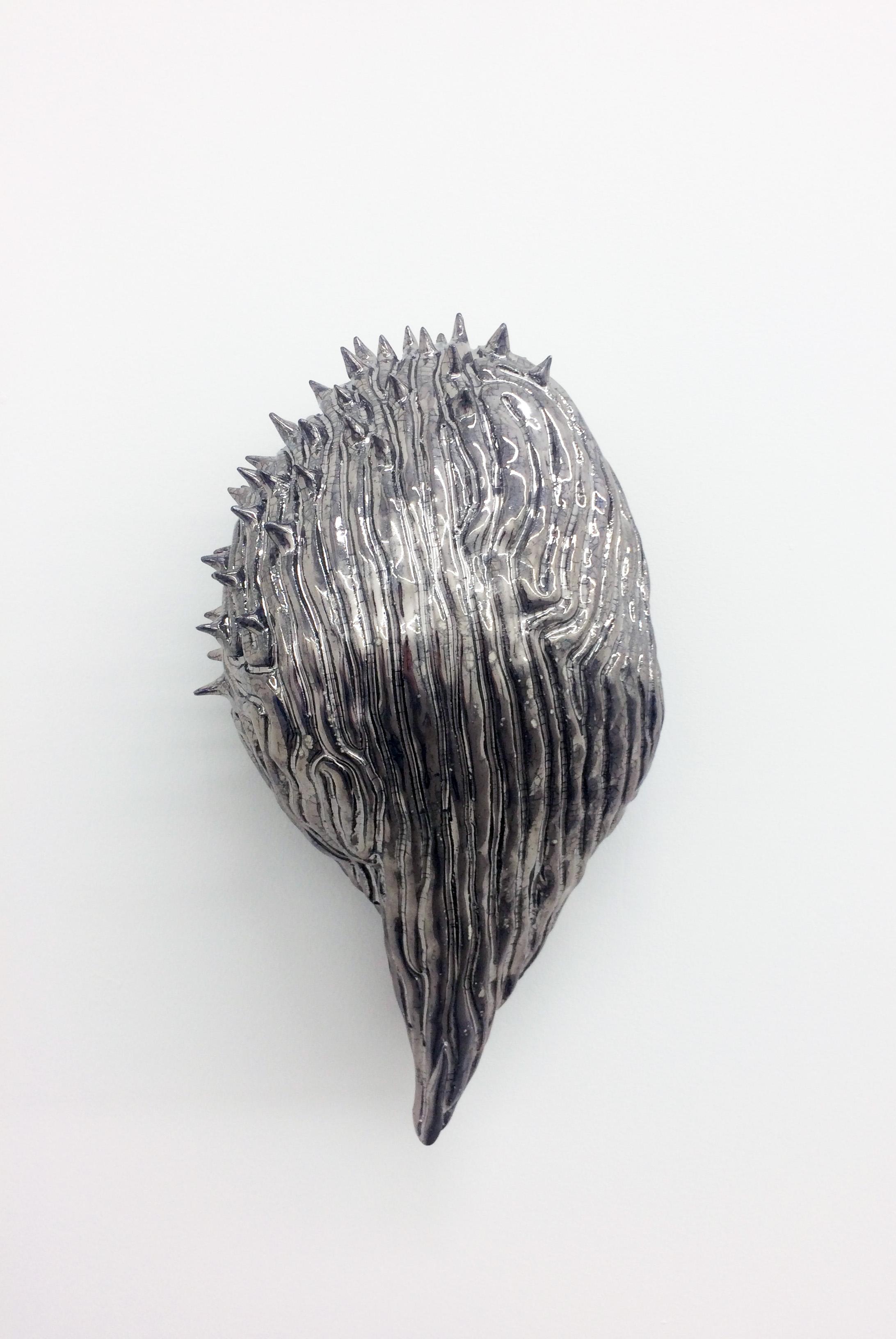 "Philippe Caron-Lefebvre,  Chrome Therapy , 2017, ceramic, glaze, gold and white gloss, 12.5"" x 7"" x 5"" (32 x 18 x 12 cm)"
