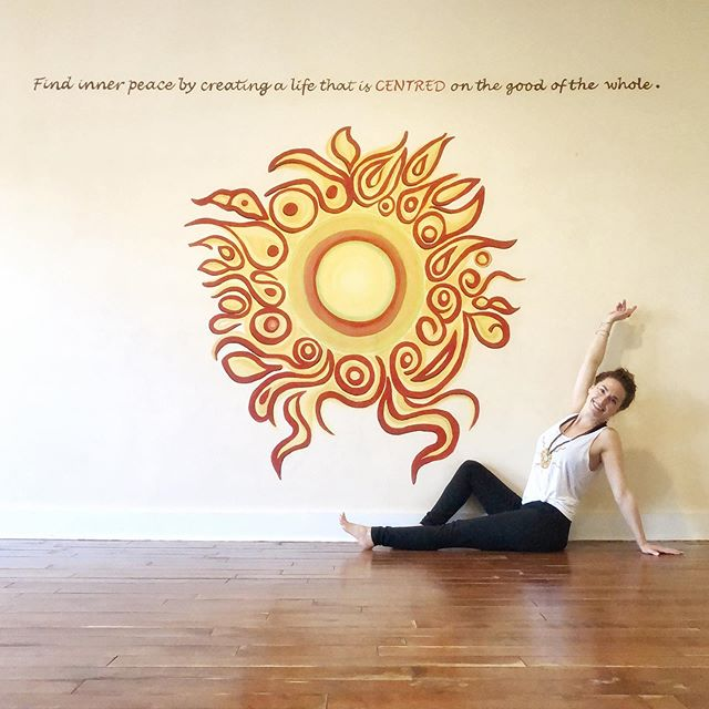 "☀️Happy Summer Solstice y'all! This is a beautiful time to connect and recommit to your inner peace through self care, creativity and lots of Yoga!😁🙏🏼💫 ⠀⠀⠀⠀⠀⠀⠀⠀⠀ ⠀⠀⠀⠀⠀⠀⠀⠀⠀ ⠀⠀⠀⠀⠀⠀⠀⠀⠀ ⠀⠀⠀ ""Each solstice is a domain of experience unto itself. At this summer solstice, all is green and growing, potential coming into being, the miracle of manifestation painted large on the canvas of awareness."" ~ Gary Zukav 🧡✌🏼"