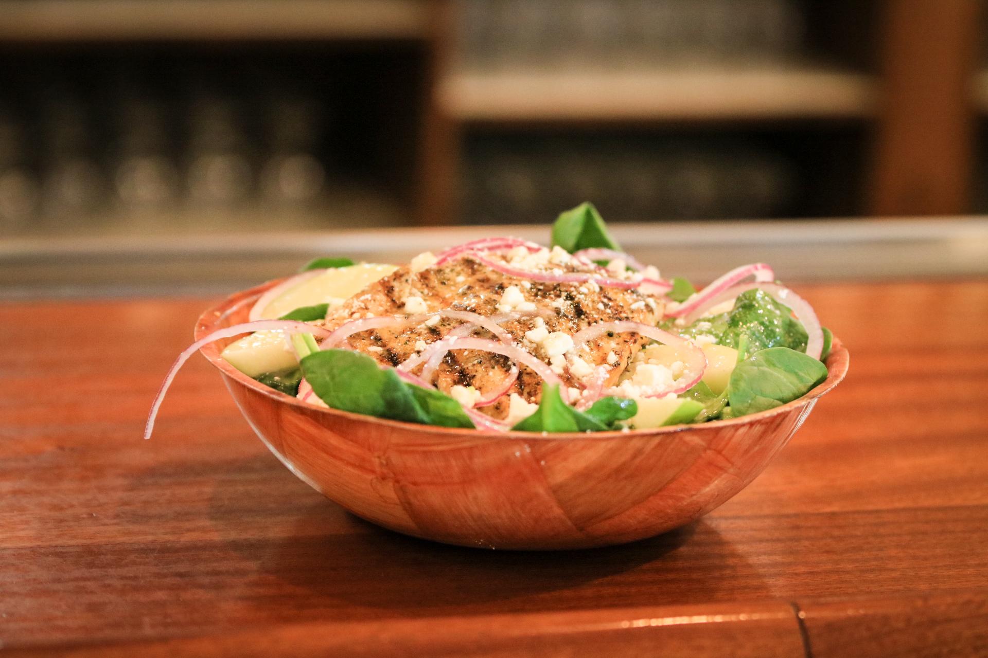 woodys-pub-salad.jpg