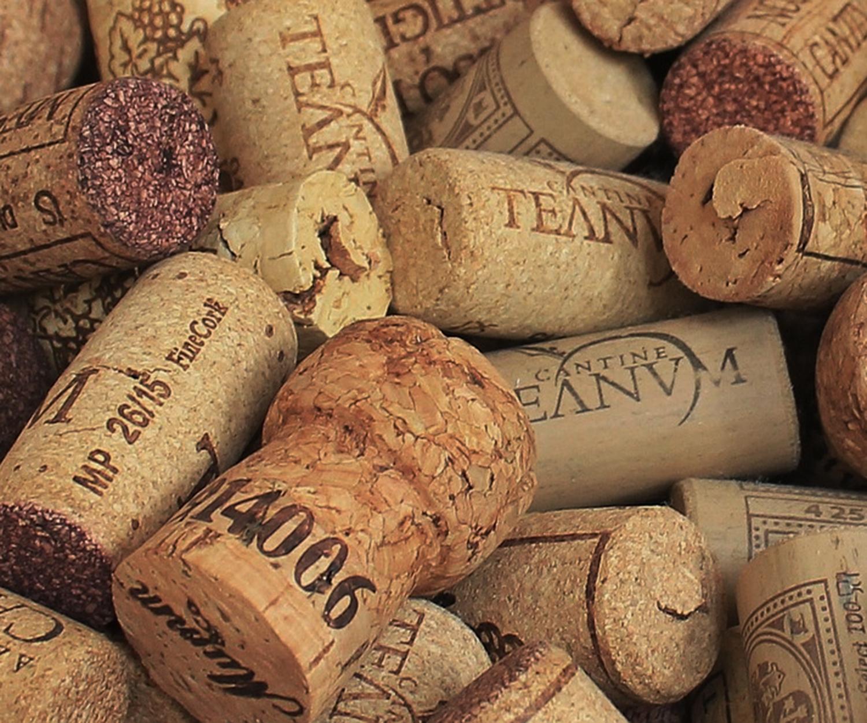 champagne-cork-1350404_1280_crop.jpg