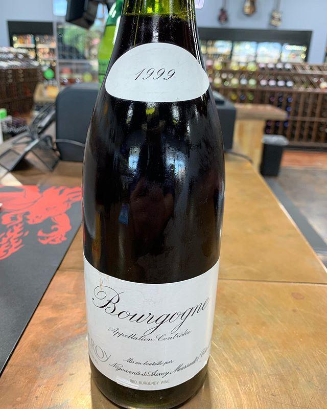 This beauty from @laloubizeleroy #martinemondays #wine #burgundy