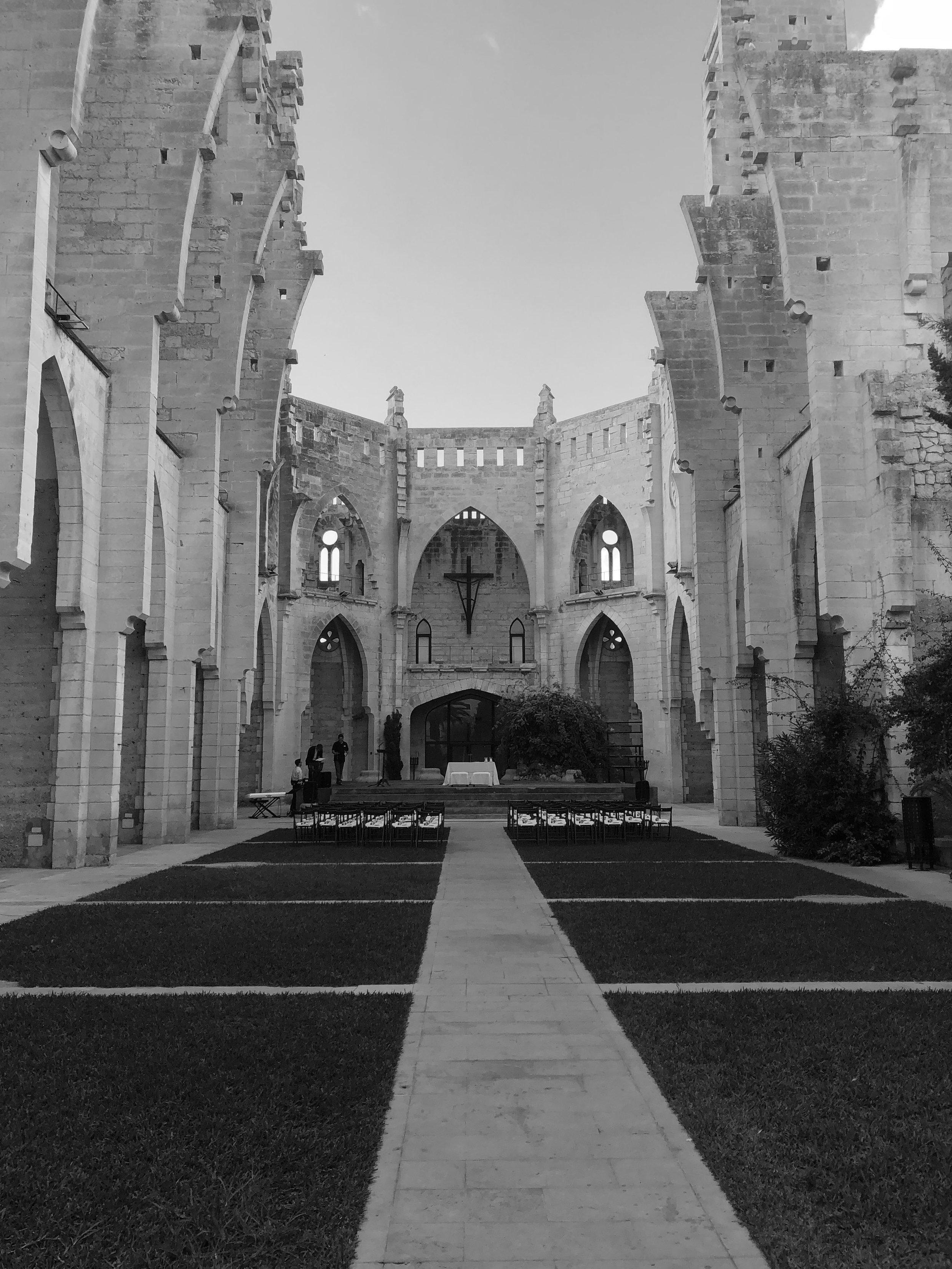 Mallorca Kirche ohne Dach